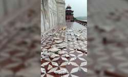 Taj Mahal takes damage due to storm,taj mahal damage,taj mahal minarets height,taj mahal is damaged,