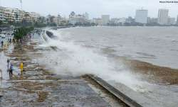Mumbai Rains: Heavy rains in MMR, 15-feet high tide expected across coastline | LIVE