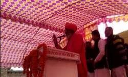 Congress got Subhas Chandra Bose killed, alleges BJP MP Sakshi Maharaj   Watch