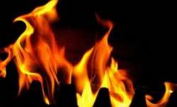 Fire in Surat building, 2 persons move out of 4th floor window
