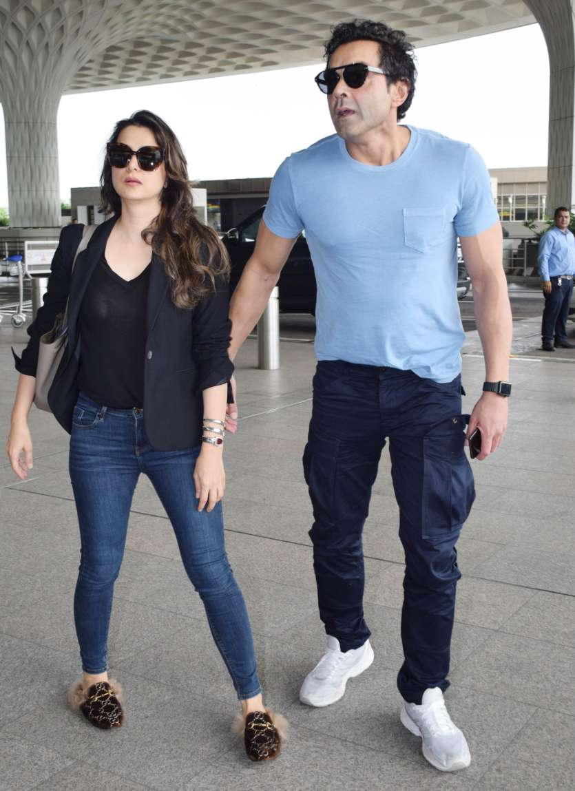 Pictures Of Bobby Deol Striking Adorable Poses With Wife Tanya And