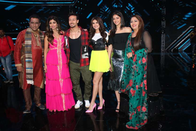 Latest Bollywood Photos April 30: SOTY 2 star cast on sets of Super