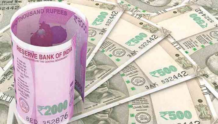 Rupee sinks to new low of 70.52, slumps 42 paise against US