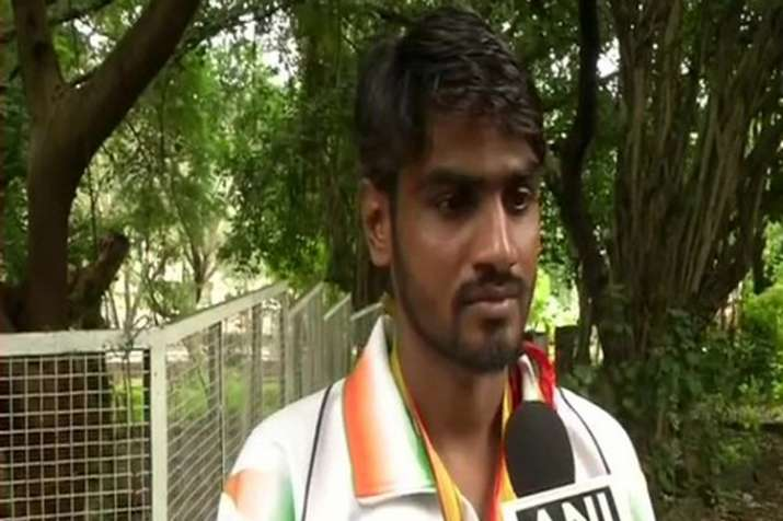 Para-athlete neglected by government