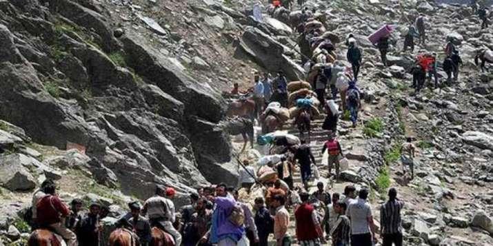Amarnath pilgrim injured by shooting stone