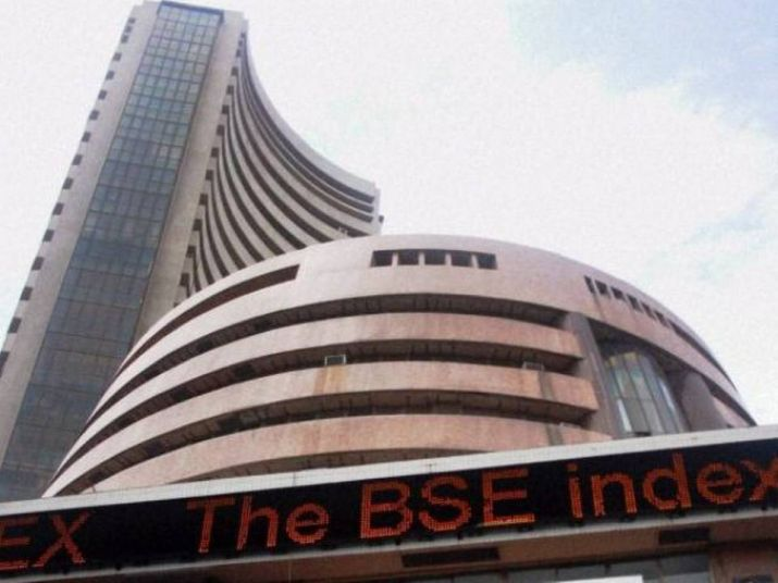 Sensex gains 130 points; oil & gas, IT stocks save the day