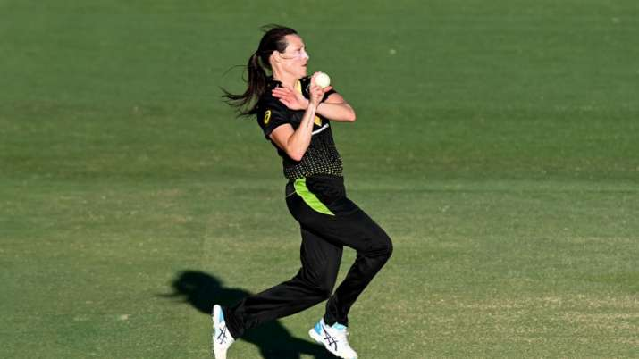 Australia women beat New Zealand women by 17 runs in the