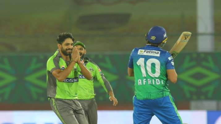 LahoreQalandarswill clash with Karachi Kings in the