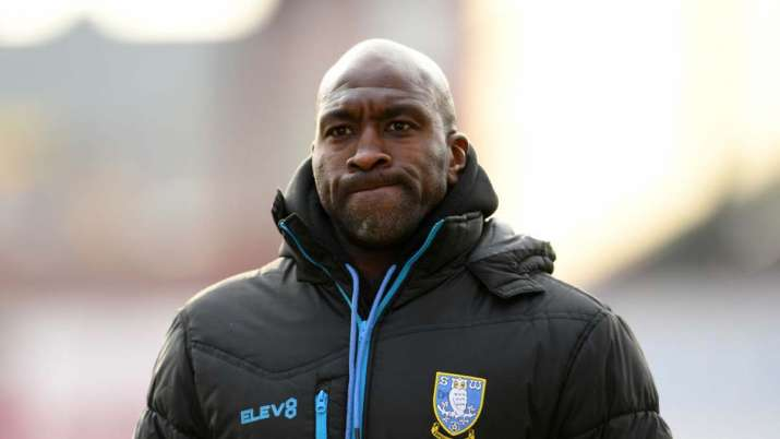 Sheffield Wednesday manager Darren Moore develops pneumonia after COVID-19 infection