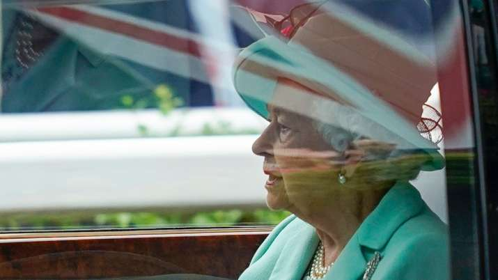 Queen Elizabeth pens letter to England football team ahead of Euro final against Italy