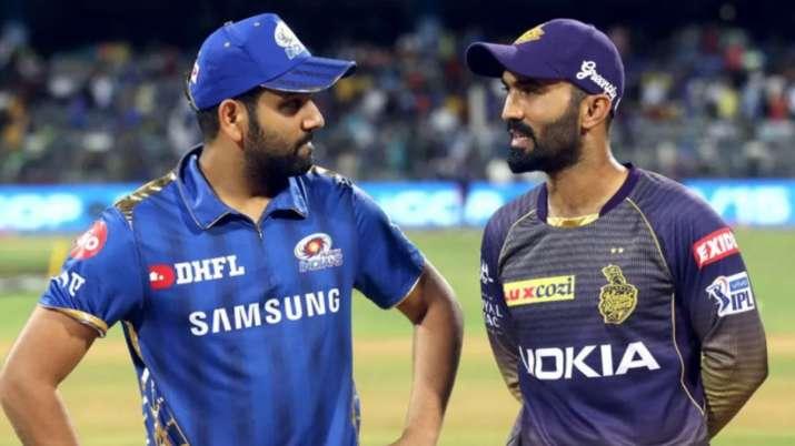 Rohit Sharma's reminder to Dinesh Karthik: 'You still have some cricket left!'