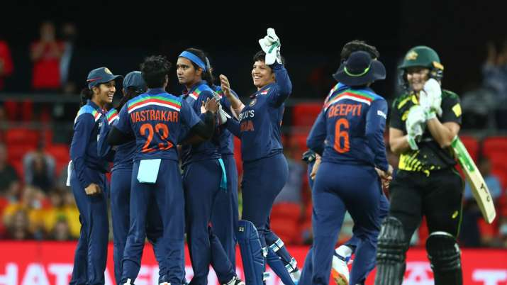 'Ball of the century, women's cricket edition!': Shikha Pandey dismisses Alyssa Healy with stunning